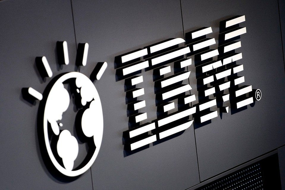 Somerset Trust Co Acquires 202 Shares of International Business Machines Corp. (IBM)
