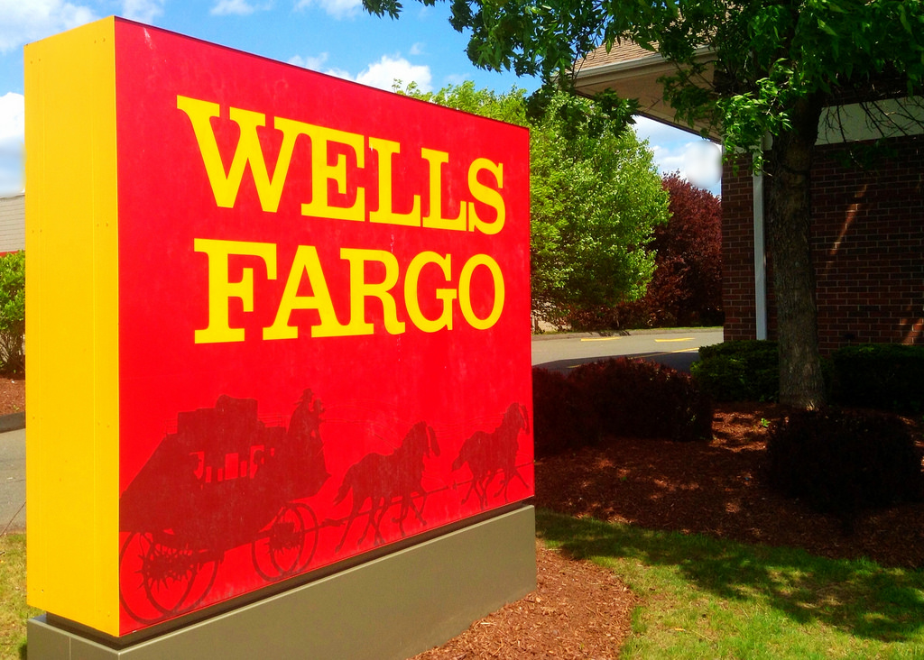 Wells Fargo Gets Boost from Higher Rates but Lending Stagnates