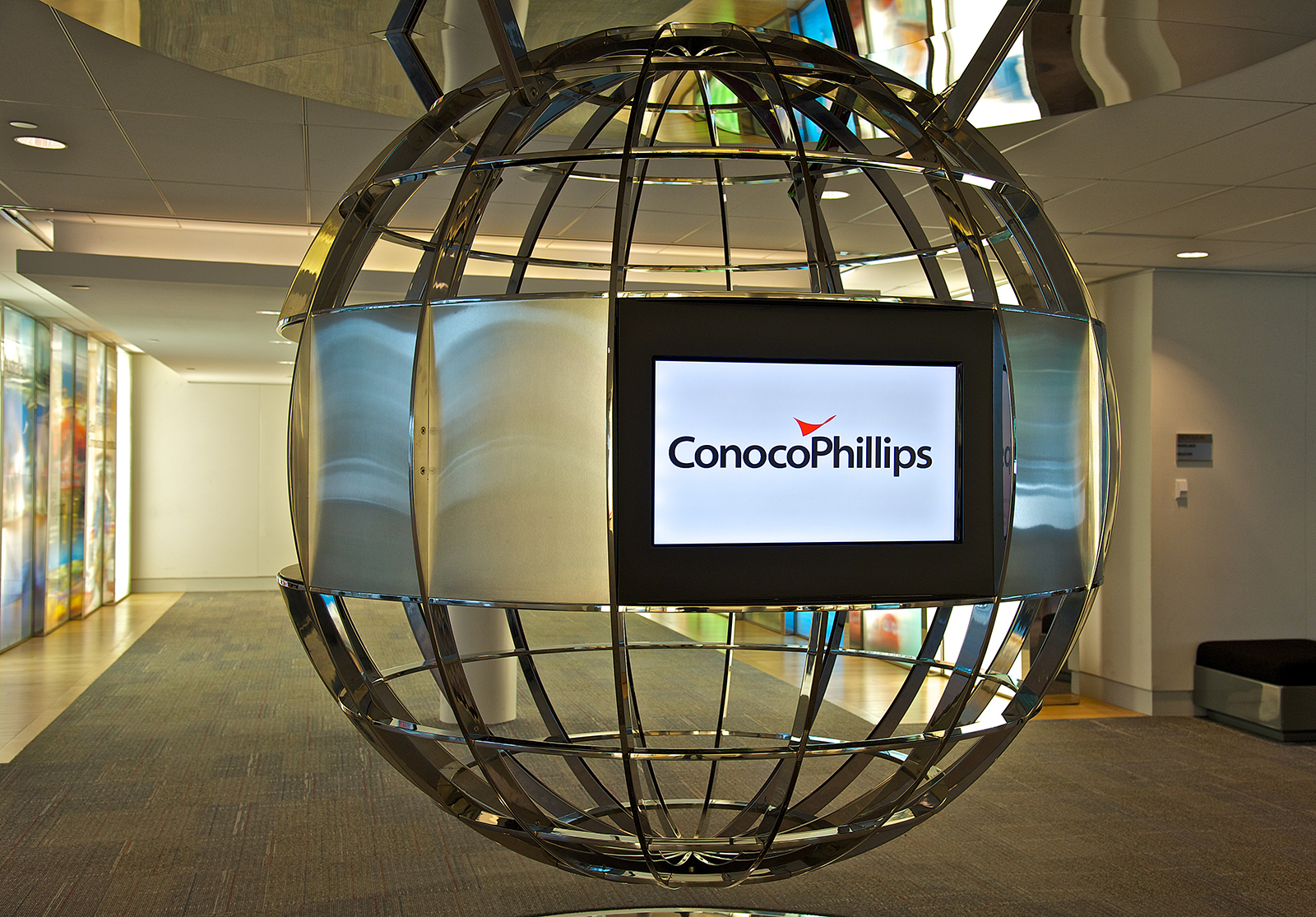 Does ConocoPhillips (COP)'s current closing price competes the market?